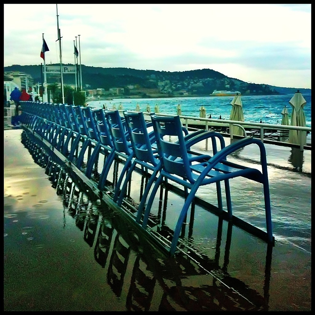 chaises bleues de la promenade des anglais nice french flickr. Black Bedroom Furniture Sets. Home Design Ideas