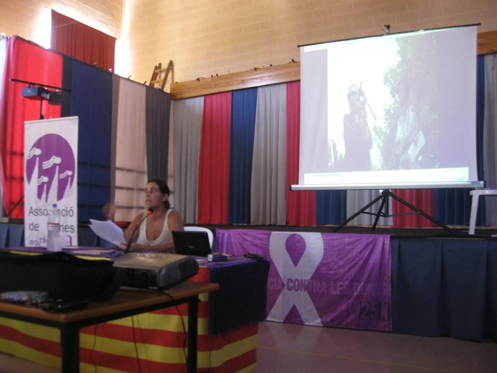 Fotograifes de la Conferència sobre la vida de la Neus Català (Fulleda, 2015) 1
