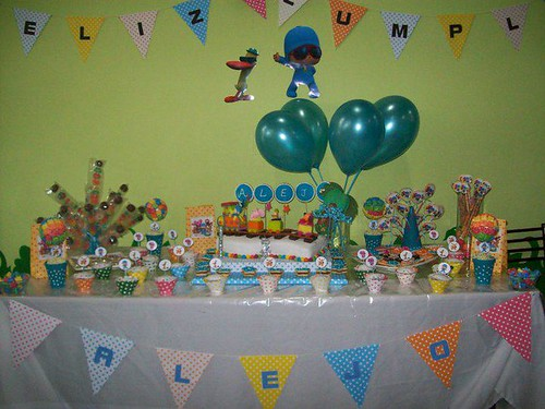Mesa de dulces de Pocoyo - Imagui