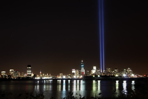 The 2012 Tribute In Light | by gimmeocean