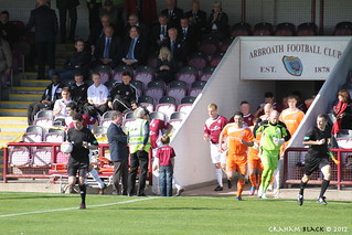 Arbroath 1 - 1 Forfar Athletic - The teams run out | by Scotsman_in_Hawaii