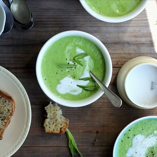 Chilled pea, avocado + mint soup {vegan} | by My Darling Lemon Thyme