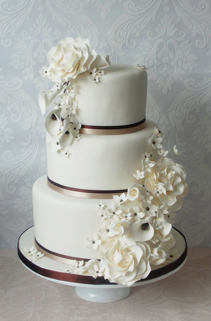 wedding cakes with roses and calla lilies peony calla and bud wedding cake to be 26105