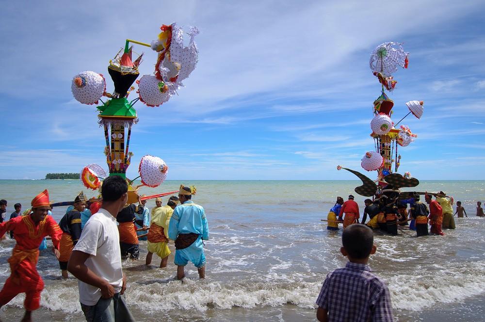Tak Perlu Malu Dengan Budaya Sendiri. 10 Festival