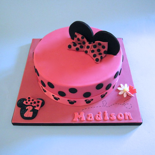 Minnie Mouse Cake A 7 Quot Minnie Mouse Themed Cake For The