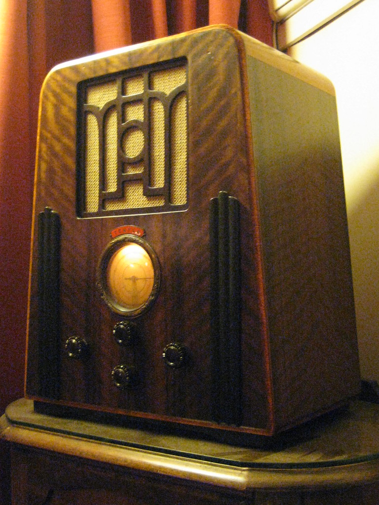 a 1935 temple art deco wireless radio this wonderful art d flickr. Black Bedroom Furniture Sets. Home Design Ideas