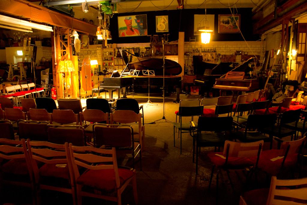 Piano salon christophori berlin victoriaswebs flickr for R b salon coimbatore