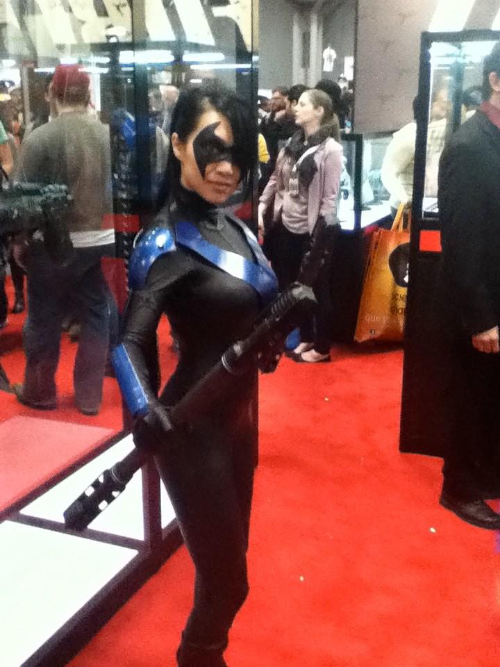 "Nightwing   Cosplayer known as ""Vampy Bit Me"" (Linda Le) as ..."