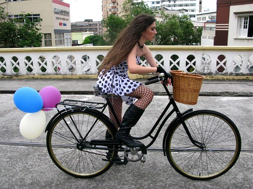 Cycle Chic - Centro Vix 51 | by Dora Doríssima