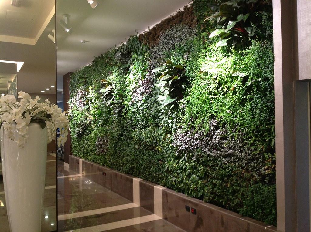 Klima hotel milano italy giardini verticali indoor - Giardini zen da interno ...