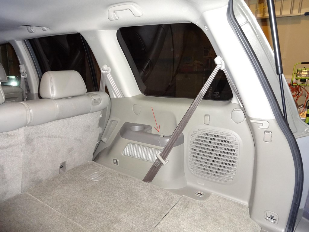 2007 Honda Pilot Rear Interior Side Panel Replacement | Flickr