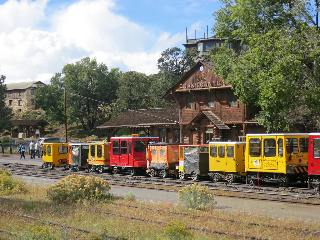 Grand Canyon National Park Speeders At Railroad Depot 174
