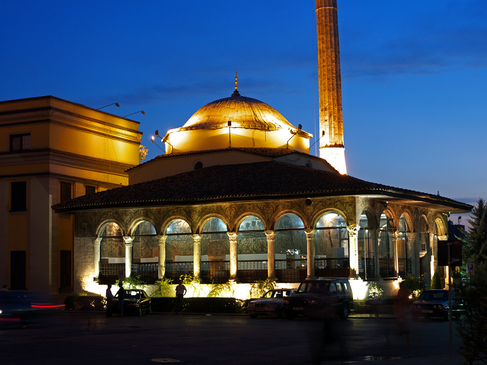 white city muslim The city's muslim population is estimated at between 11% and 14% (or somewhere between 30,000 and 40,000 muslims), which is well above the percentage (46) of muslims in britain as a whole the.