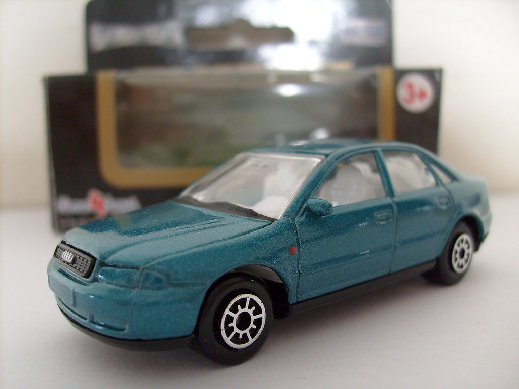 Welly Audi A4 1 64 Matchbox Sized Model Of The First
