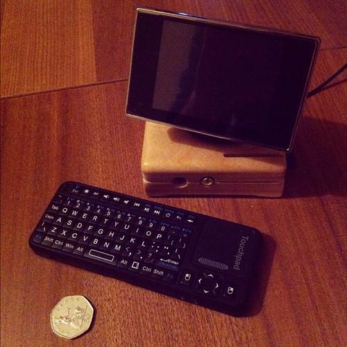 world s smallest desktop pc raspberry pi 3 5 car monito