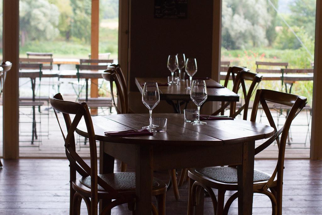 cahier confidentiel restaurant la table rouge la table ro flickr. Black Bedroom Furniture Sets. Home Design Ideas