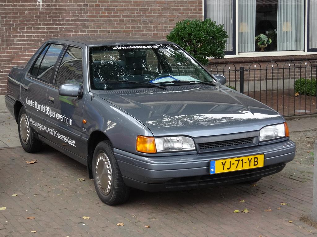 Hyundai excel 1990