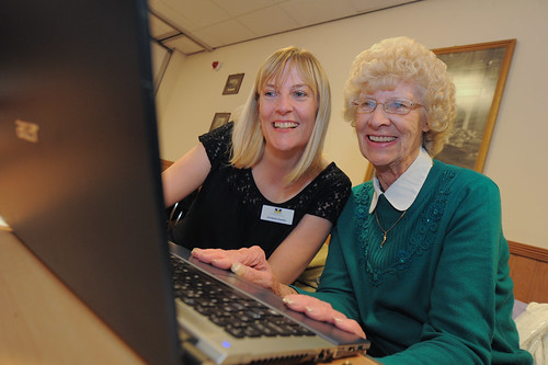 Low Hill Social Media Surgery 11th October 2012 | by podnosh