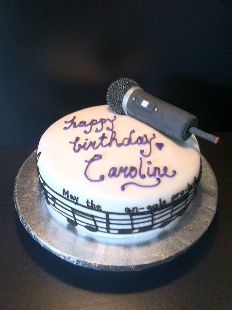 microphone birthday cake
