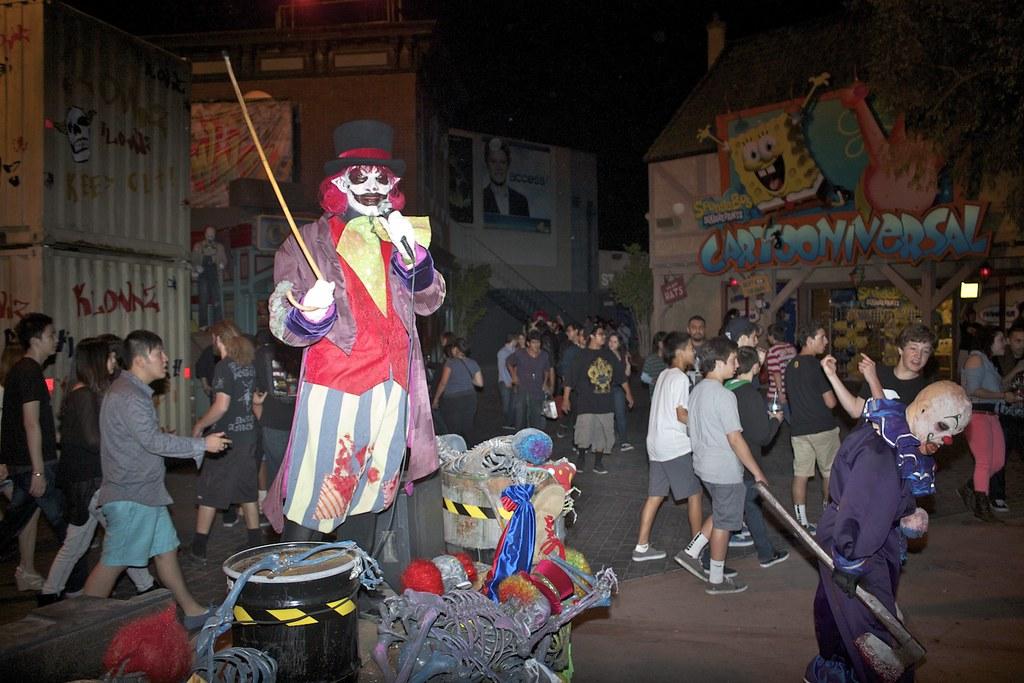 Scare Zones Halloween Horror Nights
