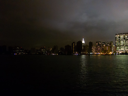 New York City (Manhattan) from Ganrty Park after Hurricane Sandy | by TenSafeFrogs
