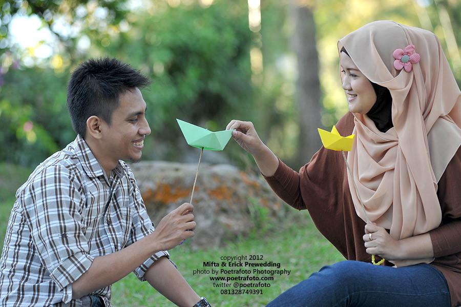 Fotografer Prewedding Jogja: FOTO PRE WEDDING OUTDOOR: Konsep Bermain Asik :)