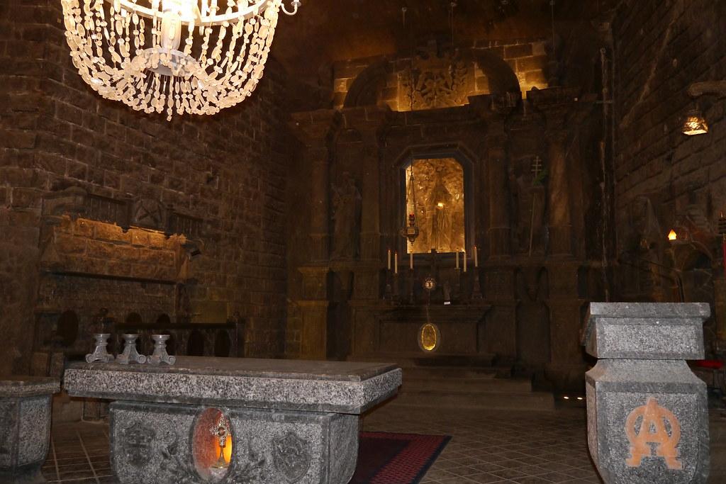 ALtar de la catedral bajo tierra