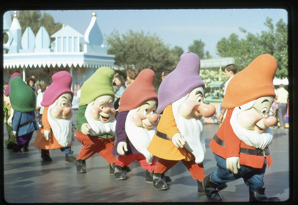 Snow white 7 dwarfs part 1 - 1 part 2