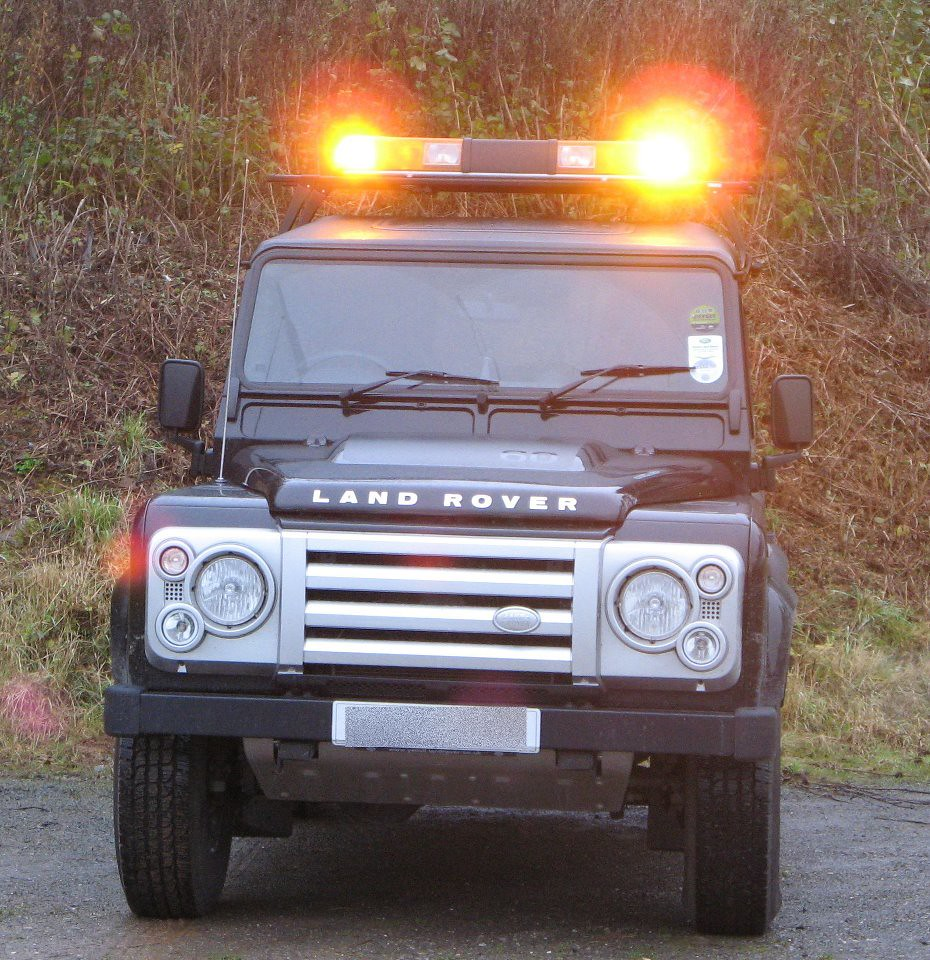 Premier hazard optimax light bar fitted to land rover defe flickr premier hazard optimax light bar fitted to land rover defender by svlights aloadofball Choice Image