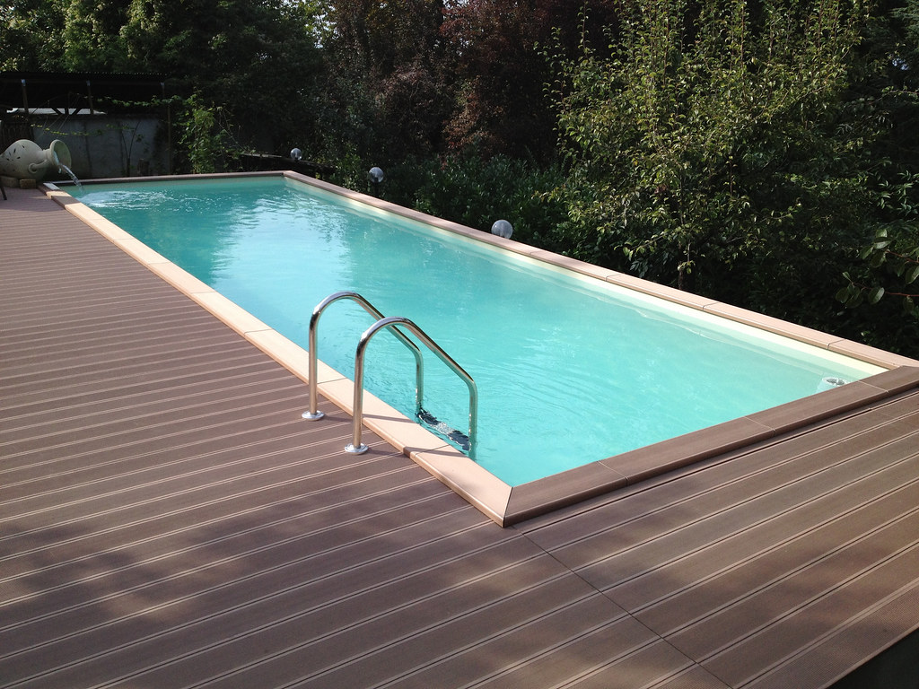 Dolcevita country 39 1 piscina laghetto dolcevita country flickr - Saldatura telo pvc piscina ...