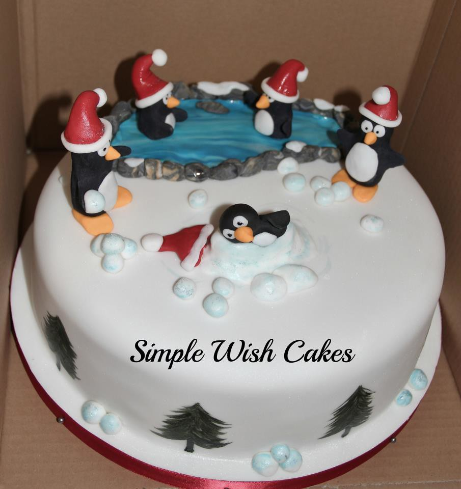 Christmas Cake Decorations Penguins : Christmas cake with penguins fruit