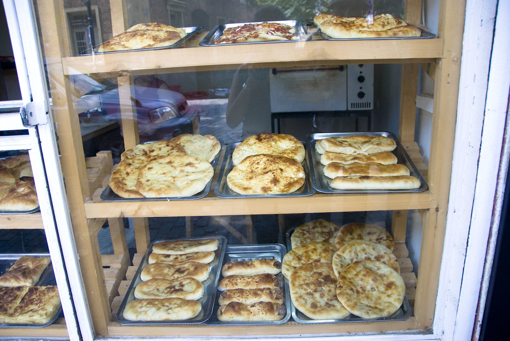 diffrent kinds of Khachapuri
