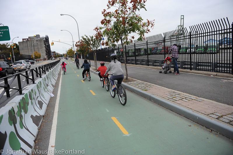 Columbia Protected bike lane-3-1