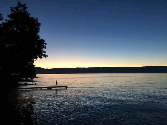 Lac Léman au crépuscule