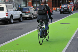 New green paint on SW Oak-9 | by BikePortland.org