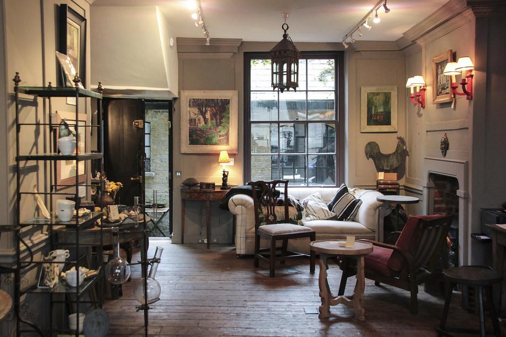 Town House - Spitalfields   5 Fournier Street ...