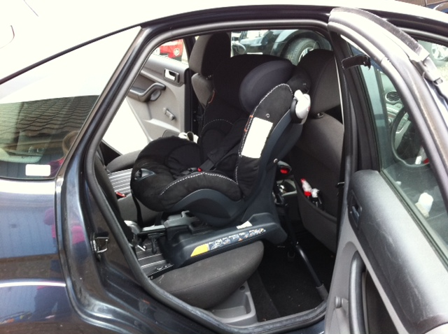 Besafe Izi Combi Isofix In A Ford Focus  By Securatot