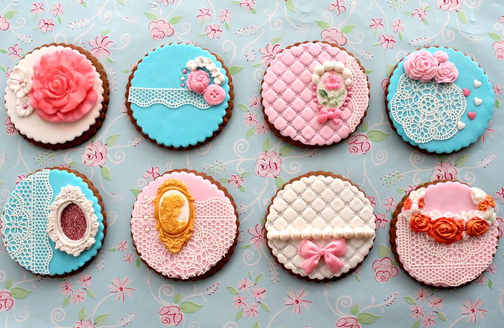 Vintage lace cookies | B. Milanova | Flickr