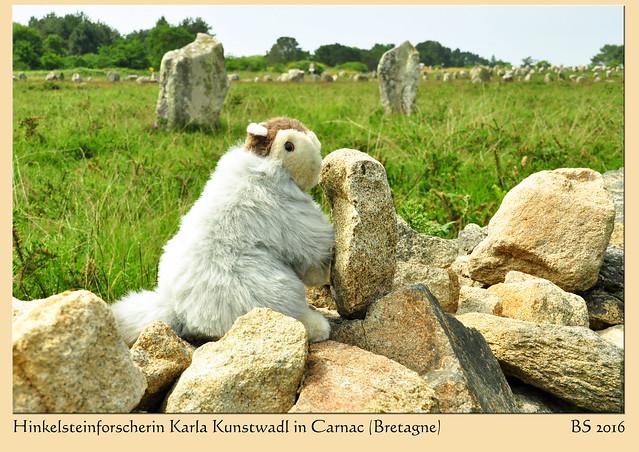 Bretagne 2016: Hinkelsteinforscherin und Megalithomanin Karla Kunstwadl war in Carnac in ihrem Element. - Fotos und Fotocollagen: Brigitte Stolle 2016