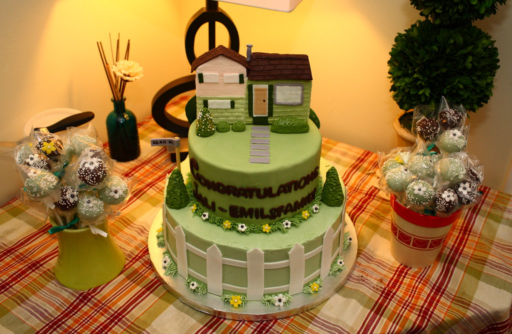 Cake Designs For Housewarming : Housewarming cake and cake pops Housewarming cake with ...