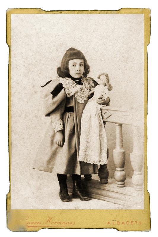 Maria Navarro foto 2Año- c. 1890. Propietario- Pilar Serra Navarro hermanos Linares
