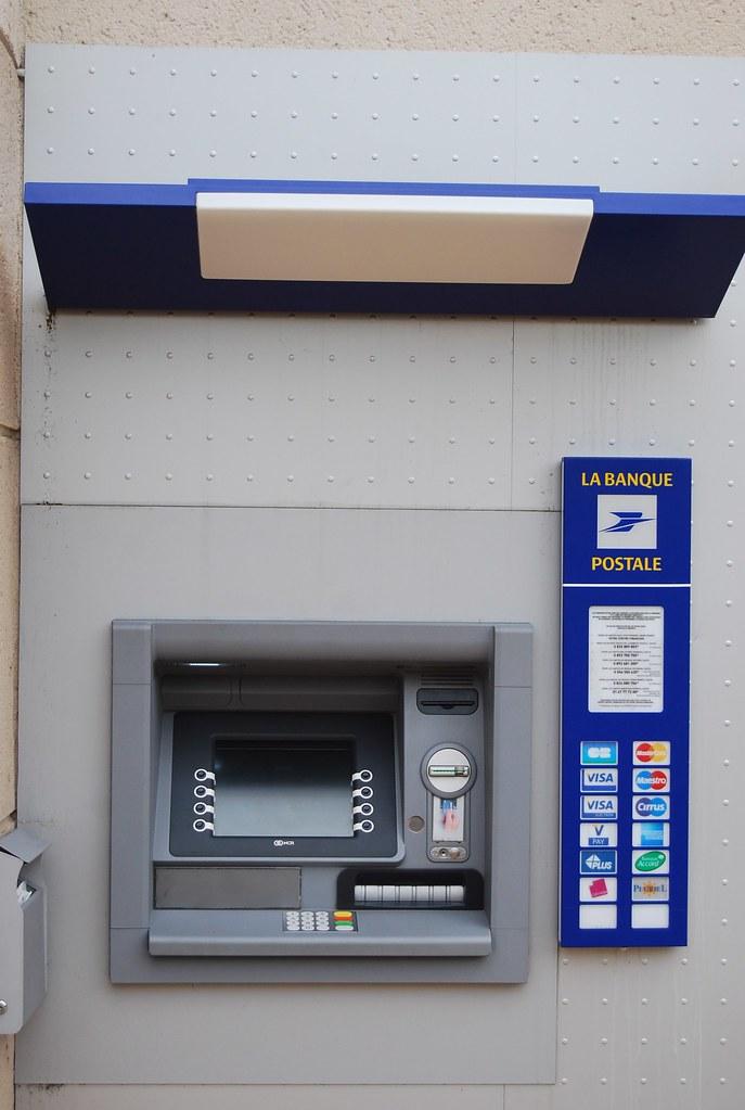 Atm De La Banque Postale Alwin Noller Flickr