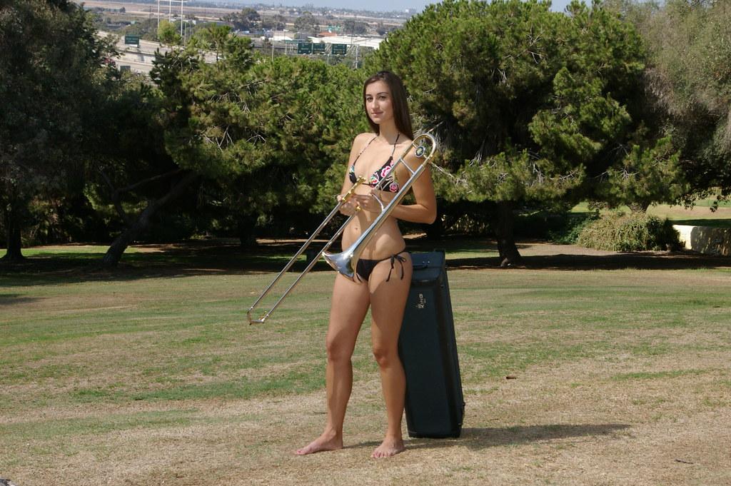King 4B SilverSonic Trombone (5) | King Trombone and bikini