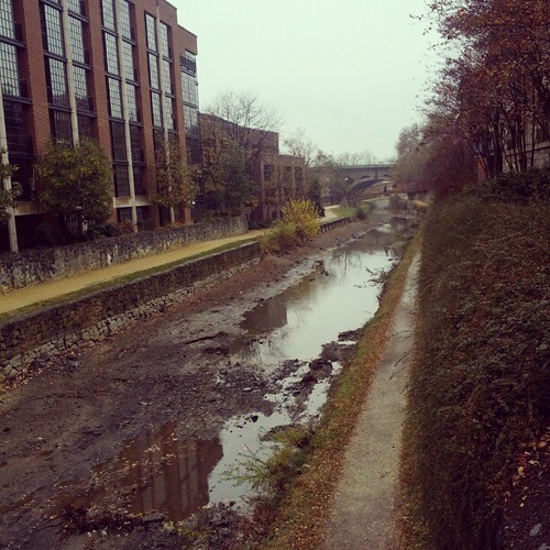 The canal in Georgetown earlier today. | by izik