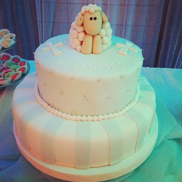 Cake Decorating Ideas For Baby Dedication : Torta para el #bautizo de mi Sebas #christening #baptism ...