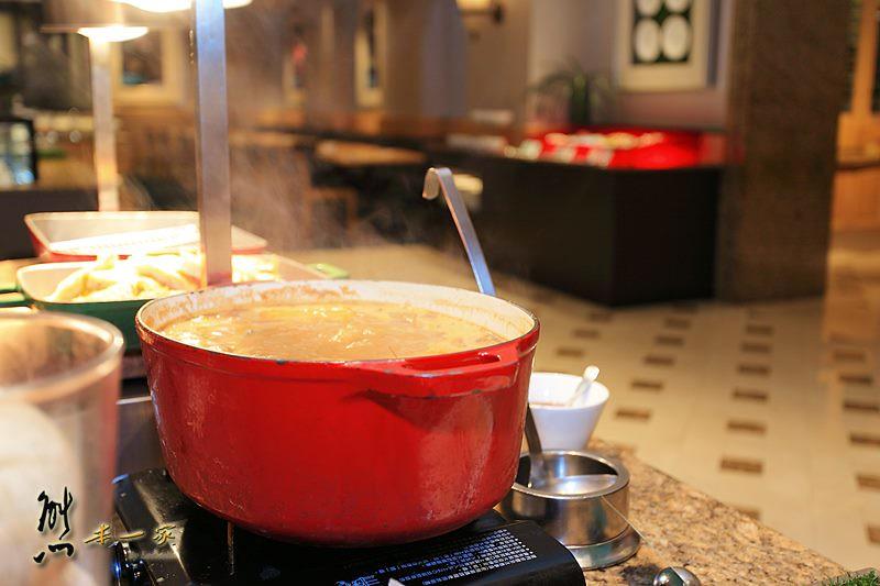 捷運雙連站國賓飯店吃到飽|明園西餐廳|魔幻假日桌邊表演魔術親子共享魔幻天倫樂
