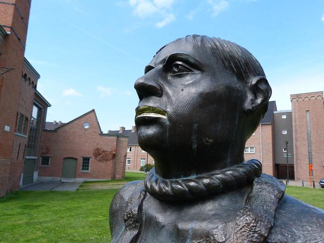 Estatua de hombre con la soga al cuello de Gante