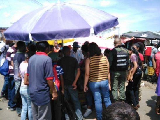 Ha sido inútil la militarización para frenar bachaqueo y hampa en los mercados municipales de Ciudad...