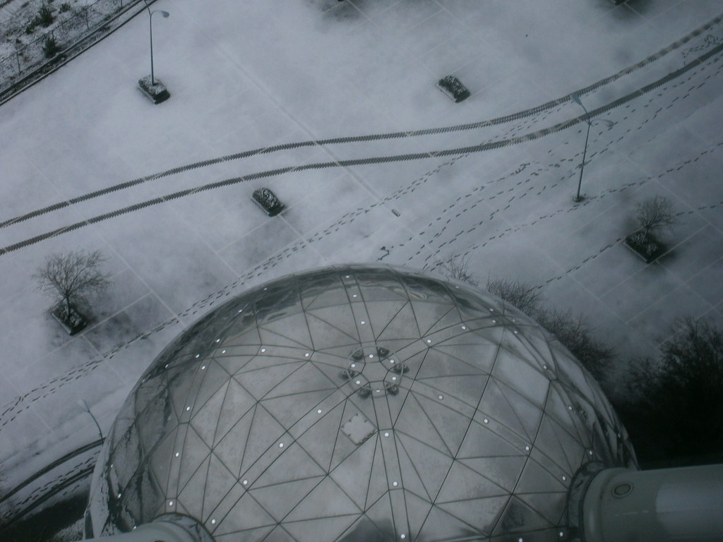 Looking down on the Atomium in the snow