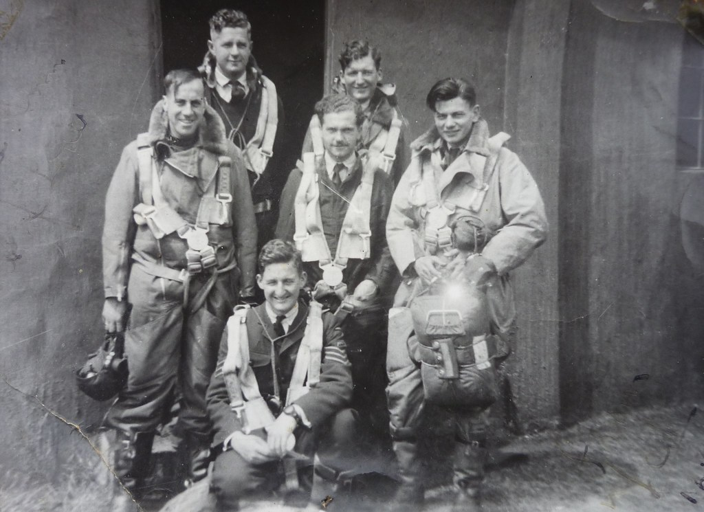 RAF Moreton in Marsh Wellington Bomber Crew | Back_Gray ...